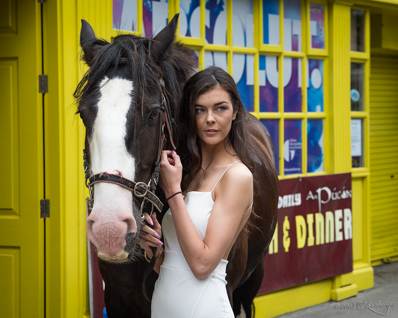 Model_and_Clydesdale_1